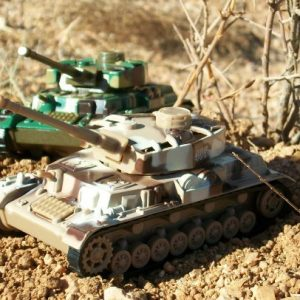 DELUXE-MILITARY-DIE-CAST-TOY-TANKS-3-PIECE-SET-0