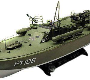 Revell-172-PT-109-P-T-Boat-0