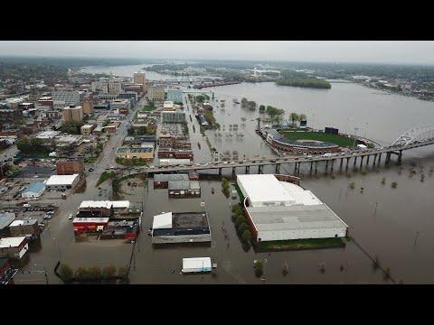 Hesko Flood Barrier Fails in Davenport Iowa | Mississippi River
