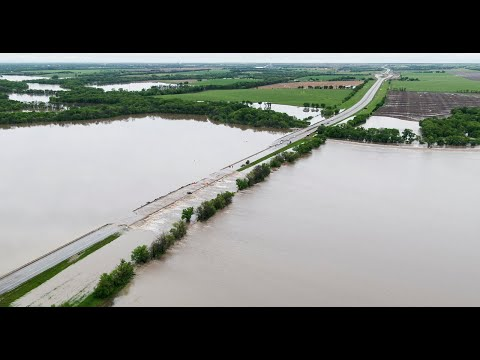 Drone video of the flooded Kansas Turnpike